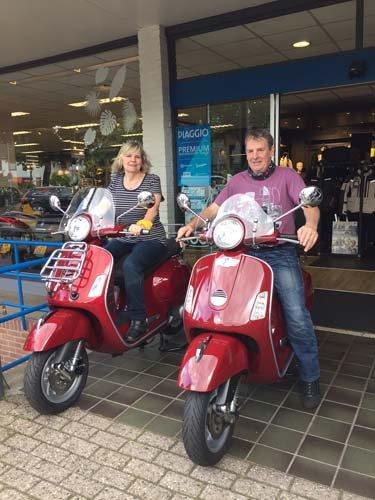 Wim en Mariska rijden nu beide Vespa GTS!