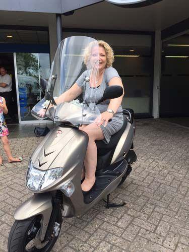 Na jaren weer op de scooter, geniet ervan (zus)