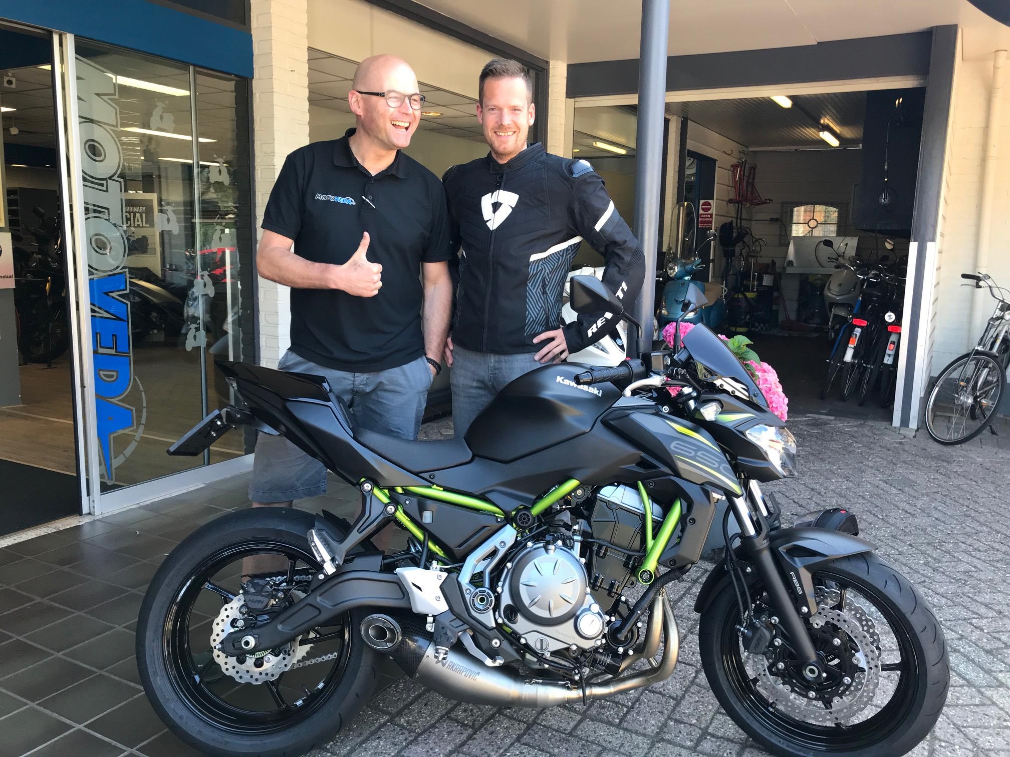 Oud collega Erik met zijn nieuwe Kawasaki en Rev'it outfit