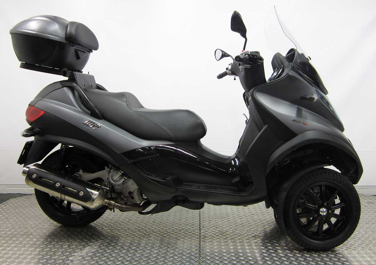 motoveda de scooter en piaggio mp3 specialist ede. Black Bedroom Furniture Sets. Home Design Ideas